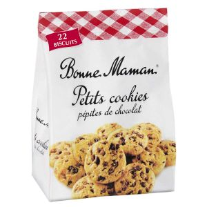 Kleine Schokoladencookies mit vielen Schokostückchen, zubereitet mit Butter und frischen Eiern.