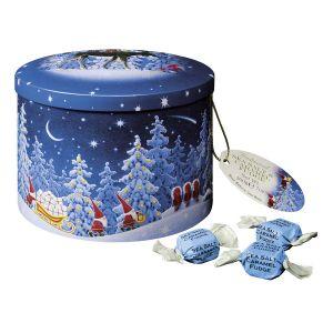 Weihnachtliche Geschenkdose, gefüllt mit leckerem Sea Salt Caramel Fudge.