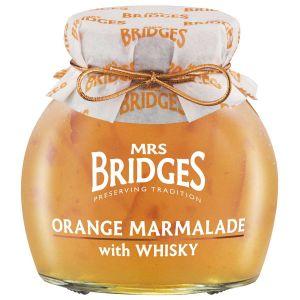 Orangen Marmelade mit fein geschnittener Schale, mit einem Schuss Whisky verfeinert.