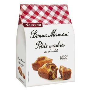Kleine französische Marmorkuchen mit saftiger und luftiger Textur.