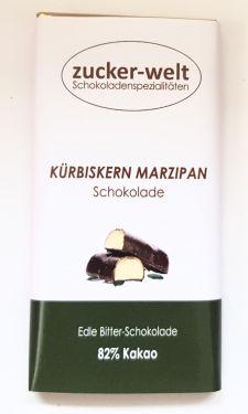 Edle Bitterschokolade mit Marzipan und gehackten Kürbiskernen 70g